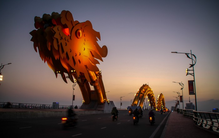 เที่ยวดานัง-สะพานมังกร