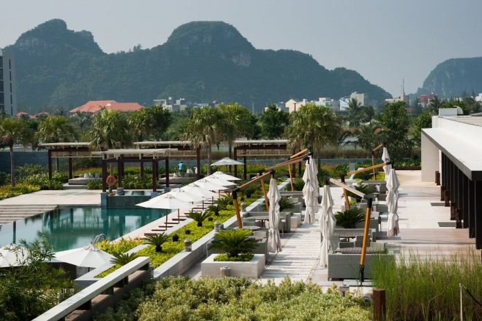 Hyatt-Regency-Danang-Resort-and-Spa-696x464