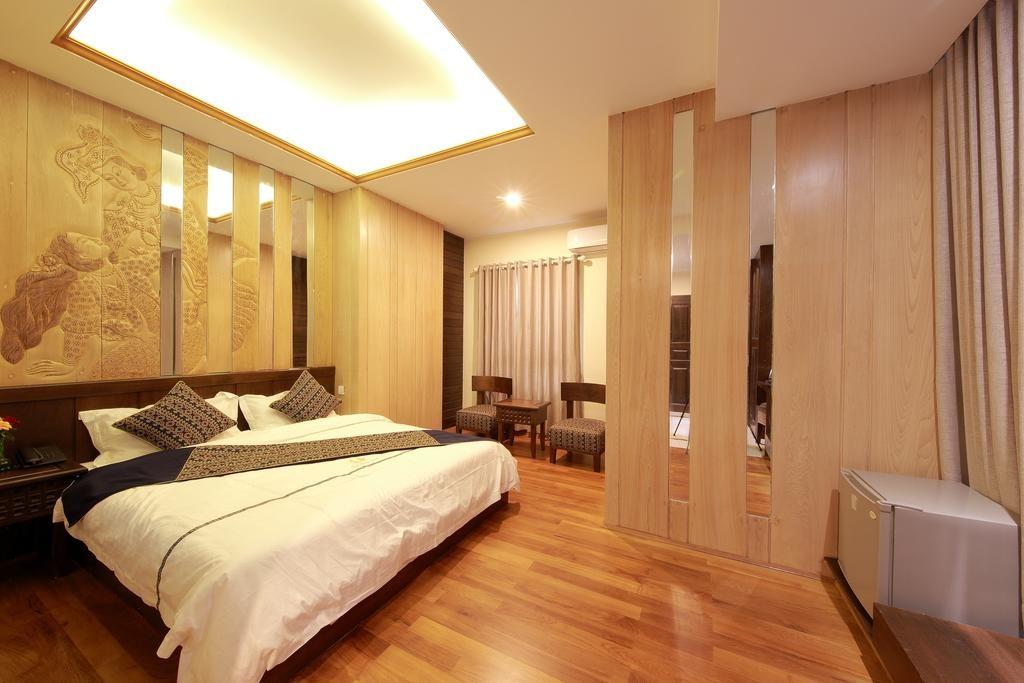 Pani puri (พานี พูริ)