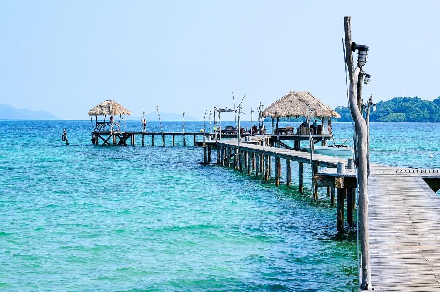 Blue Pearl Bar เกาะหมาก